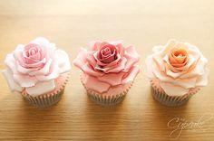 Rose Cupcakes www.vintageandlace.com