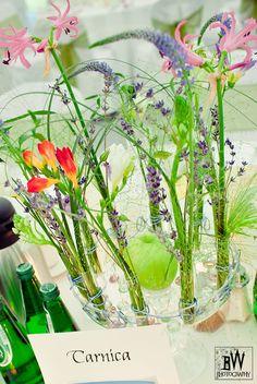 dekoracja okrągłych stołów weselnych