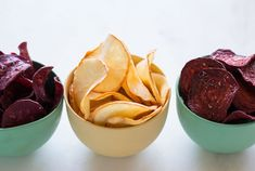 Yucca, purple sweet potatoes, and beets slices made into chips with salt. Wine Recipes, Snack Recipes, Cooking Recipes, Quiches, Vegetable Crisps, No Cook Appetizers, I Want Food, Cute Snacks, Primal Recipes