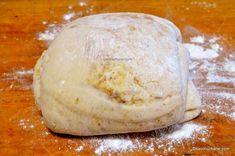 Pogăci cu jumări - rețeta ardelenească de pogăcele fragede   Savori Urbane Dairy, Food And Drink, Bread, Cheese, Brot, Baking, Breads, Buns