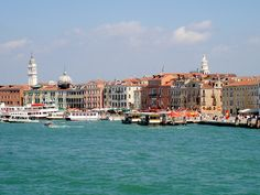 Venice, Italy. Been there twice and plan to go for the third time..Photo by travel blog Tarinoita Maailmalta