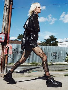- 2020 Fashions Woman's and Man's Trends 2020 Jewelry trends Punk Fashion, Grunge Fashion, Love Fashion, High Fashion, Dubai Fashion, Lolita Fashion, Mode Grunge, Grunge Girl, Edgy Outfits