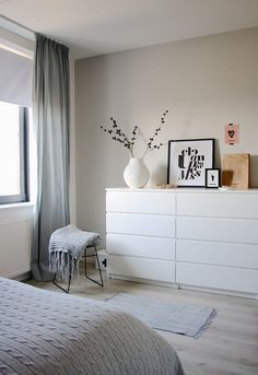 Another grey and white bedroom with a hint of pink. Bedroom by Holly Marder —- white dresser Another grey and white bedroom with a hint of pink. Bedroom by Holly Marder —- white dresser Ikea Malm Dresser, Minimalist Bedroom, Minimalist Kitchen, Minimalist Interior, Minimalist Decor, Modern Minimalist, Bedroom Styles, New Room, Room Inspiration