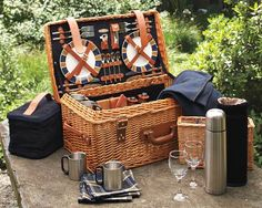 Inspired by classic English picnic hampers, our woven willow basket is thoughtfully designed for gracious outdoor dining. Inside, you'll find everything you need to host an elegant picnic for four, including fine tableware, linens and servin… Picnic Date, Summer Picnic, Beach Picnic, Beach Dinner, Family Picnic, Wicker Picnic Basket, Picnic Hampers, Wicker Baskets, Vintage Picnic Basket