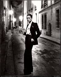 Another example of Le Smoking Tuxedo - real street Parisienne.