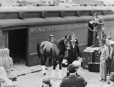 Seabiscuit getting out of his train