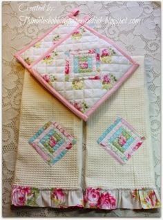 Quilted towel and pot holder set featured at Worthwhile Wednesdays