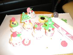 X'mas small cakes made them w/Kammy