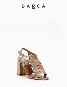 #Sandalo #tacco 90, fondo gomma e soletto in vera pelle, tomaia in morbida pelle laminata con punta squadrata, frangia su quattro livelli sul collo del piede.  COMPOSIZIONE FONDO GOMMA, SOLETTO VERA PELLE  CARATTERISTICHE Altezza tacco 9 cm  COLORE #PLATINO  MATERIALE #LAMINATO  #heels #fashion #fashionblogger #tacchi #sandali #outfit #springsummer #shoes