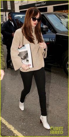 Dakota Johnson & 'How to Be Single' Cast Premiere Film in London! | how to be single european premiere 11 - Photo