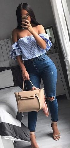 summer outfits Striped Off The Shoulder Top + Destroyed Skinny Jeans