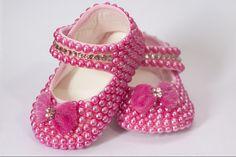 sapatinho-de-perolas-rosa-rosa