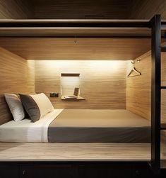 Ateliê Itinerante | Referência para cama beliche | Estrutura em alumínio preta e…