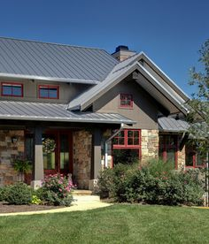 Exterior Cottage Red Windows Brown Siding Design Ideas, Pictures, Remodel and Decor Craftsman Columns, Craftsman Exterior, Exterior Stain, Stone Exterior, Ranch Exterior, Rustic Exterior, Rustic Entry, Cottage Exterior, Exterior House Colors