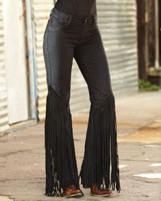 teamed with the fringed jacket and fringed boots ... ah, yes... you can never have too much fringing!!!