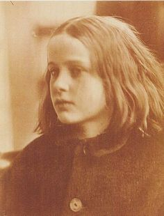 Julia Margaret Cameron was one of the first Victorian women to experiment with artistic photography. As a new retrospective opens at the Victoria and Albert Museum in London, we ask why her name has slipped out of history books. Julia Margaret Cameron Photography, Julia Cameron, Grete Stern, History Of Photography, Artistic Photography, Portrait Photography, Famous Photography, Digital Photography, Diane Arbus
