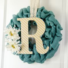 DIY Monogram burlap wreath Tutorial || Easy to make and the texture is fabulous! Makes a great wedding gift idea.