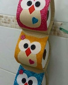 Toilet paper holder or roll holder - Give Details Fabric Crafts, Sewing Crafts, Sewing Projects, Diy Projects, Owl Crafts, Diy And Crafts, Couture Main, Diy Toilet Paper Holder, Paper Holders