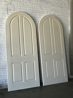 Arched Four Paneled Wood Doors - Single or Pair by AntiquetoChicChicago on Etsy Arched Front Door, Arched Doors, Panel Doors, Windows And Doors, Arched Interior Doors, Exterior Doors, Home Door Design, House Design, Black French Doors