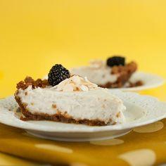 Coconut cream pie from the PPK. I have been wanting coconut cream pie. Vegan Dessert Recipes, Köstliche Desserts, Gluten Free Desserts, Dairy Free Recipes, Delicious Desserts, Coconut Desserts, Coconut Recipes, Yummy Food, Vegan Treats