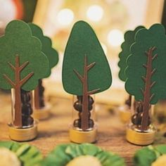 Ben Y Holly, Building For Kids, Woodland Party, 1st Birthday Girls, Baby Decor, Baby Boy Shower, Party Time, Paper Trees, Yellow Balloons