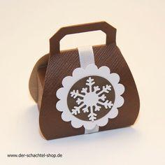 Handtaschen Schachtel mit weihnachtlicher Deko