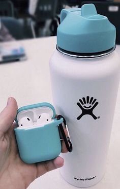 Trendy ideas for birthday background iphone posts Scrunchies, Mochila Kanken, Hydro Flask Water Bottle, Cute Water Bottles, Vsco Pictures, Happy Pictures, Accessoires Iphone, Mein Style, Airpod Case