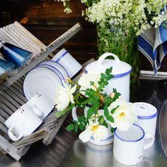 Siniraita-astiat Table Decorations, Furniture, Home Decor, Decoration Home, Room Decor, Home Furnishings, Home Interior Design, Dinner Table Decorations, Home Decoration