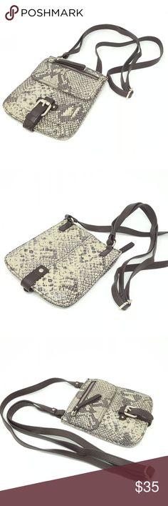 I just added this listing on Poshmark  Banana Republic Leather Crossbody Bag.   shopmycloset 248204b88b