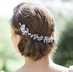Blue floral pearl and crystal headpiece Something like this with long hair and forget me nots