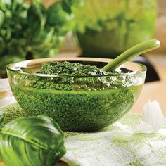 Sauce Pesto, Pesto Recipe, Marinade Sauce, Weed Killer, Cooking Recipes, Healthy Recipes, Tapenade, Chutney, Food Photo