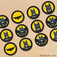 Click here to download FREE  Printable LEGO Batman Cupcake Toppers!