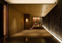 Palace Hotel Wadakura restaurant in Tokyo – Japan. Lobby Interior, Interior Lighting, Luxury Interior, Thai House, Japanese Restaurant Design, Architecture Design, Hotel Corridor, Scandinavian Interior Design, Japanese Interior
