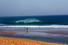 Portugal picks up north, west and south swells, making surf conditions very consistent. During winter the swell size is around the 6ft -15ft. In the summer months you can expect waves of 3-5ft.Pedra Blanca, Supertubos and coxos is the most known waves.