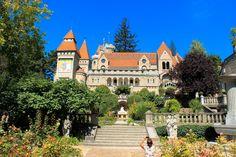 40 nyáron át épített mesevár, az igaz szerelem emlékműve Székesfehérváron