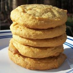 Old German Honey Cookies Recipe Cookie Recipes Cookie Desserts, Just Desserts, Cookie Recipes, Dessert Recipes, Desserts With Honey, Honey Dessert, Baking With Honey, Bolacha Cookies, Deutsche Desserts