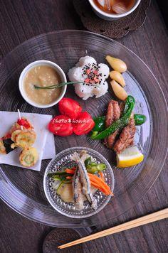 「きびなご南蛮でワンプレート」 - 花ヲツマミニ Funny Food, Food Humor, Blog Entry, Japanese Food, Shanghai, Tables, Sweets, Cooking, Japanese Kitchen