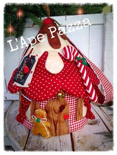 Cartamodelli babbi, renne elfi Natale 2015 Christmas Time, Christmas Crafts, Merry Christmas, Christmas Ornaments, Gingerbread Crafts, Gingerbread Man, Ginger House, Handmade Ornaments, Diy Projects To Try