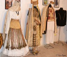 Traditional Outfits, Folk, Textiles, Costumes, Blouse, Festivals, Clothes, Collection, Outfits