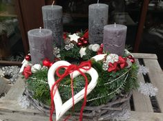 Heart Decorations, Christmas Decorations, Table Decorations, Holiday Decor, All Things Christmas, Christmas Time, Christmas Advent Wreath, Advent Wreaths, Advent Candles