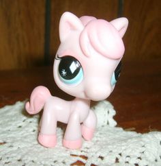 Littlest Pet Shop Pink Pony Horse #592 New, Loose, Retired ~ Diamond Eyes, Blue #Hasbro