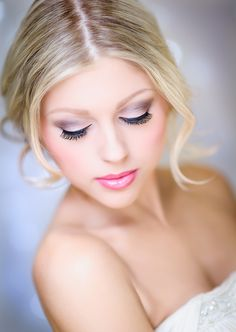 Here's a gorgeous classic PROM look for those of you with beauties heading out this weekend.  Fresh and polished!  www.marykay.com/tbolt Spring Makeup, Beauty Makeup, Makeup, Beauty Makeover