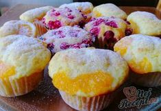 Rychlé tvarohové muffiny s ovocem Sweet Desserts, Sweet Recipes, Donuts, Oreo Cupcakes, Desert Recipes, Muffins, Sweet Treats, Cheesecake, Food And Drink