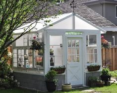 Un homme et son épouse ont construit des bas murs dans le jardin! Pourquoi? C'est MAGNIFIQUE! - Bricolages - Trucs et Bricolages