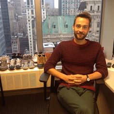 TOM Mison in NYC as he waited for his VH1 Spreecast live chat with fans - before he stole shoes on his way out. #Klepto - Jan 2014 ( Notice hands clasped to resist #HandPorn - not fair) Thank you, VH1! #ThisDayContinuesToBearGifts