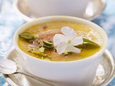 Probieren Sie die leckere Karamellcreme mit Pistazien von EAT SMARTER oder eines unserer anderen gesunden Rezepte!