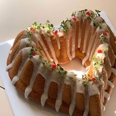 Pretty Birthday Cakes, Pretty Cakes, Fruit Birthday, Cute Desserts, Dessert Recipes, Think Food, Just Cakes, Cafe Food, Aesthetic Food