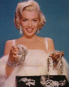 Marilyn Monroe Artwork, Marylin Monroe, Marilyn Monroe Diamonds, Old Hollywood Glamour, Vintage Hollywood, Old Celebrities, Celebs, Joelle, Gentlemen Prefer Blondes