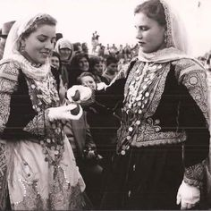 Old Photos, Greece, Count, Folk, Fashion, Old Pictures, Greece Country, Moda, Popular