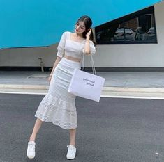 Like Beauty Life fo Keep Cover Korean Outfit Street Styles, Korean Fashion Dress, Kpop Fashion Outfits, Girls Fashion Clothes, Korean Street Fashion, Mode Outfits, Cute Fashion, Asian Fashion, Skirt Fashion